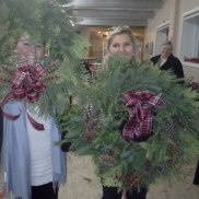 christmas-wreath-workshops_carp-garden-services_Christmas biz to 12.04.15 003