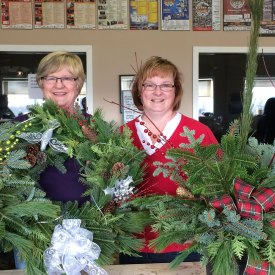 christmas-wreath-workshops_carp-garden-services_Nancy phone UK 02.13.17 035