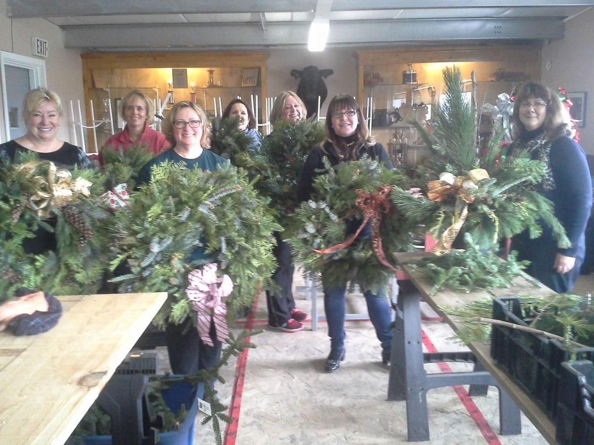 Christmas Wreath Workshop participants