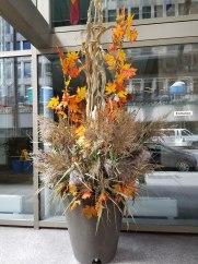ottawa-seasonal-planters-decorations_004